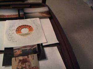 Hud-2 vinyl photos 275