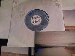 Hud-2 vinyl photos 513