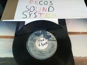 Hud-2 vinyl photos 664