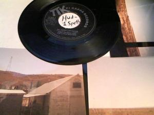 Hud-2 vinyl photos 893