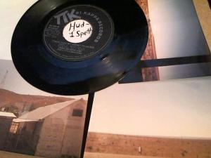 Hud-2 vinyl photos 898