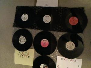 Hud-2 vinyl photos 3994