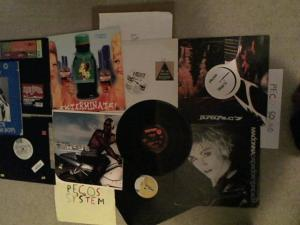 Hud-2 vinyl photos 3366