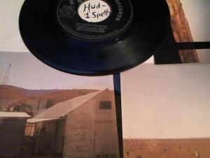 Hud-2 vinyl photos 3631