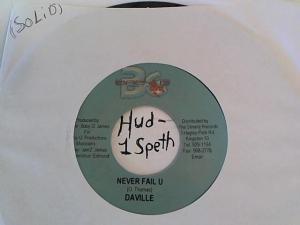 Hud-2 vinyl photos 902
