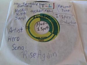 Hud-2 vinyl photos 610