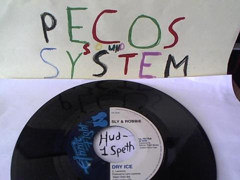 Hud-2 vinyl photos 112