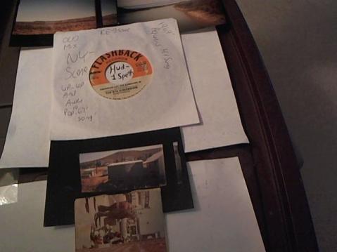 Hud-2 vinyl photos 2047