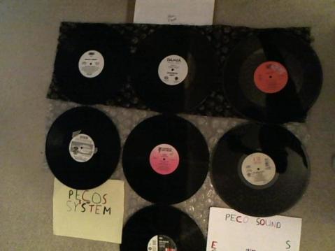 Hud-2 vinyl photos 3394