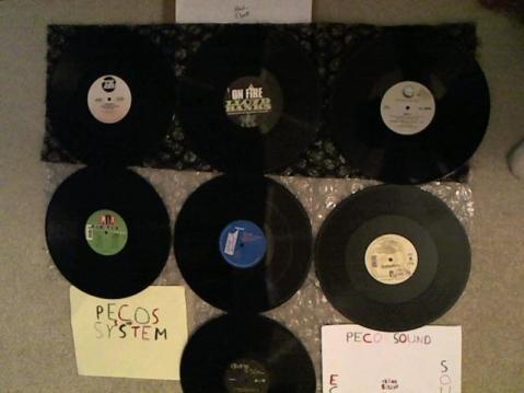 Hud-2 vinyl photos 3443