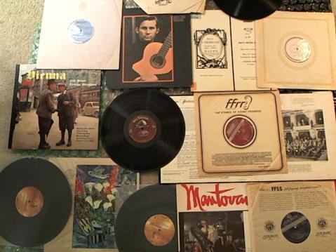 Hud-2 vinyl photos 3700