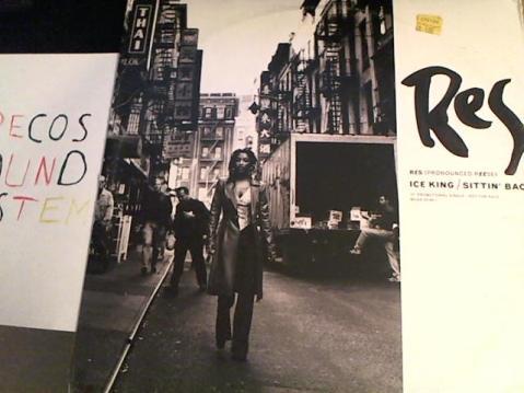 Hud-2 vinyl photos 699