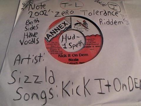 Hud-2 vinyl photos 723