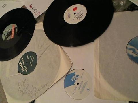 Hud-2 vinyl photos 3568