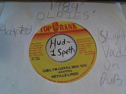 Hud-2 vinyl photos 2520